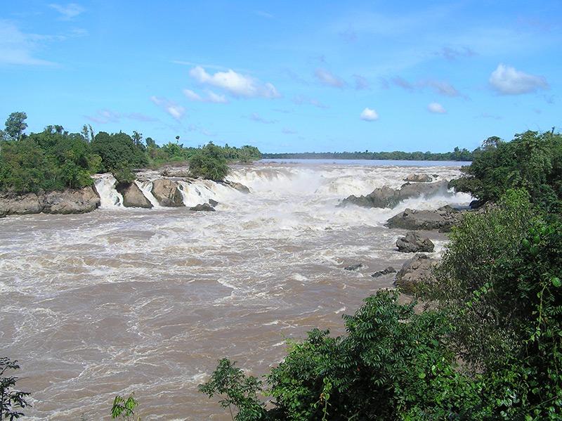 Traveling to Laos: Khong Phapeng Falls