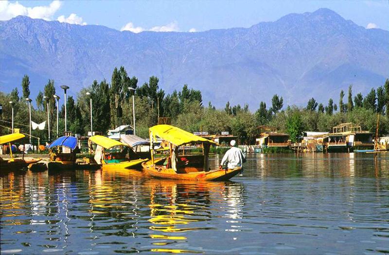 Srinigar Lake in Kashmir, India
