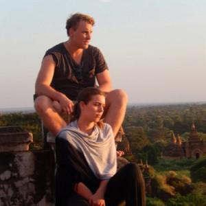 Burma_Bagan_Tourists_V