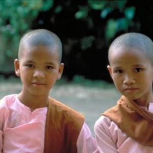 Burma_Yangon_ThreeNuns_H_