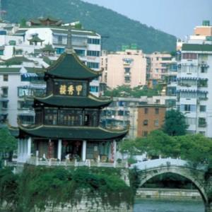 travel to China kunming lake