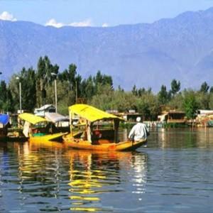 india srinigar lake