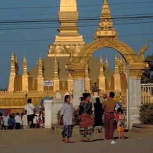 Laos_Vientiane_ThatLuangStupa_V