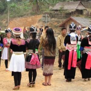 Laos_VillageGirls_Dec2013-NellConnors