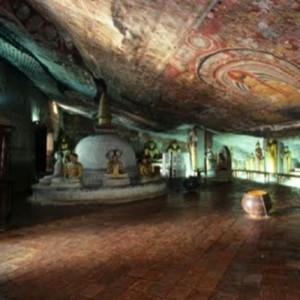 SRI lanka-Dambulla cave temple 2