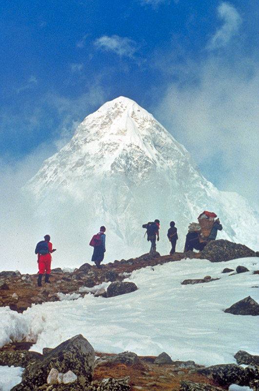 Trekking Routes to Everest Base Camp