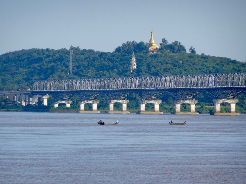 cruising in the mawlamyai river