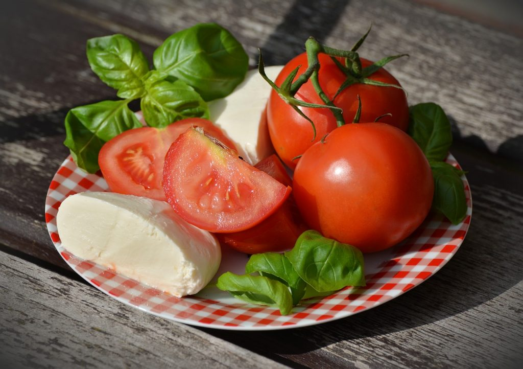 tomatoes cheese